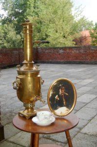 20_Samovar-per-'té alla russa'-con-ritratto-della-Principessa-Bariatinski